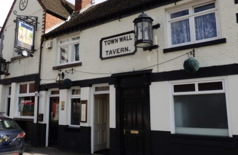 Town Wall Tavern