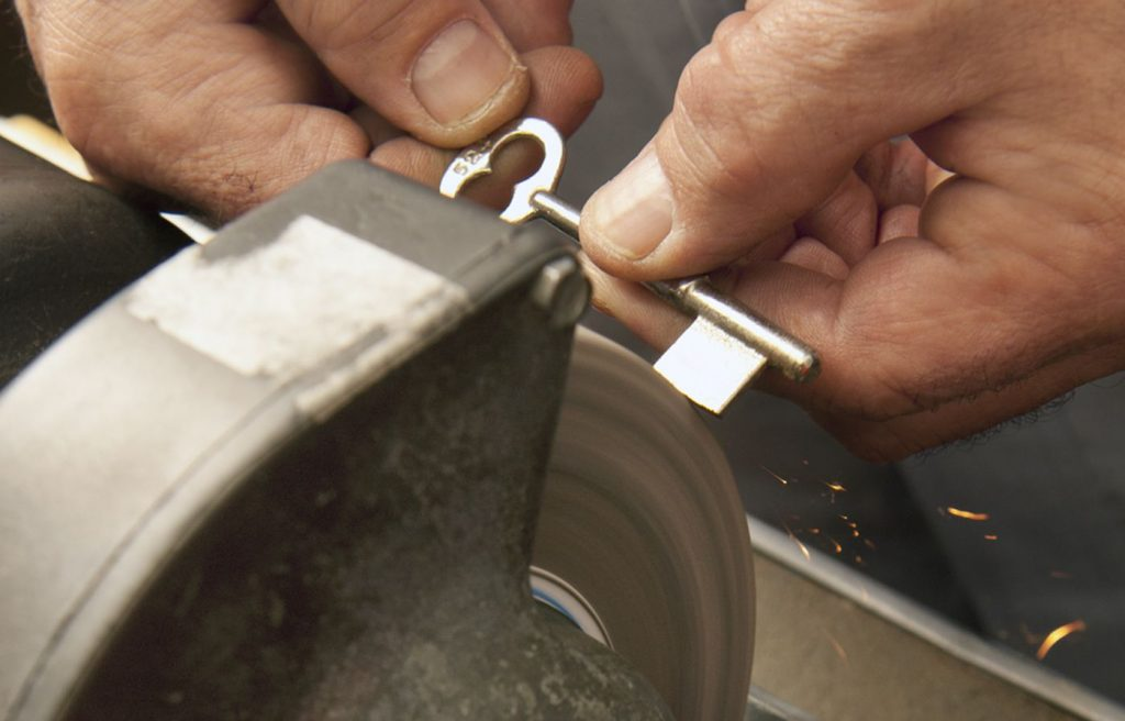 Larry Shoe Repair & Key Cutting